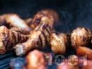 Рецепта Печени пилешки бутчета на скара в марината от бира и шипков мармалад с хрупкава коричка